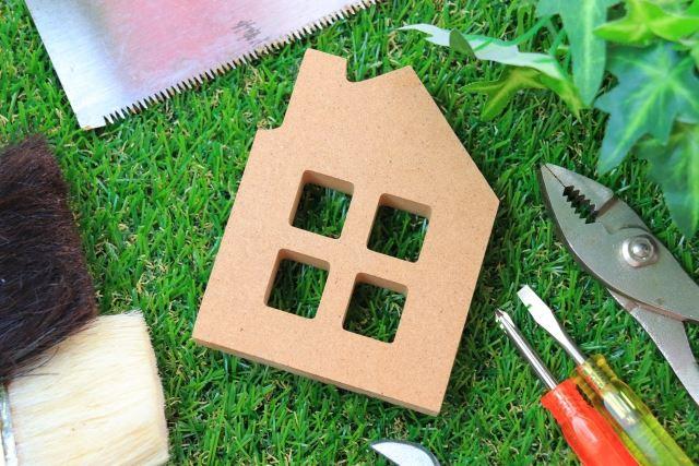 木の家と工具